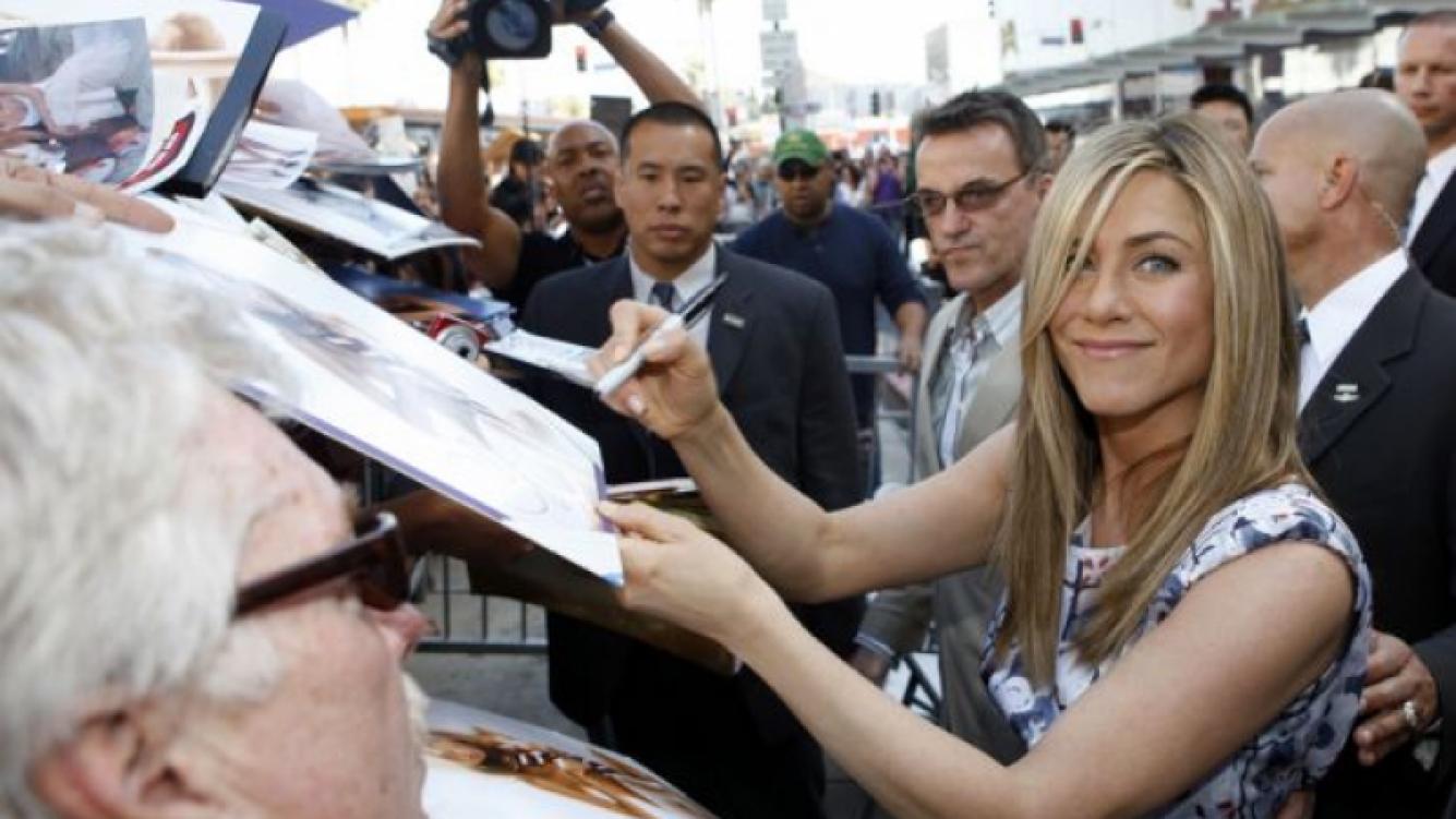 Jennifer Aniston ya tiene su estrella en el Paseo de la fama de Hollywood. (Foto: Popsugar.com)