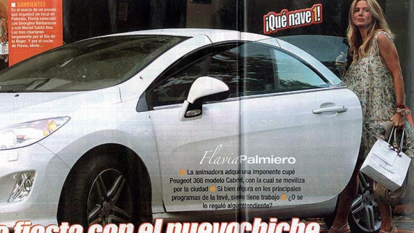 Flavia Palmiero estrenó su Peugeot 308 coupé cabriolet. (Foto: Pronto)