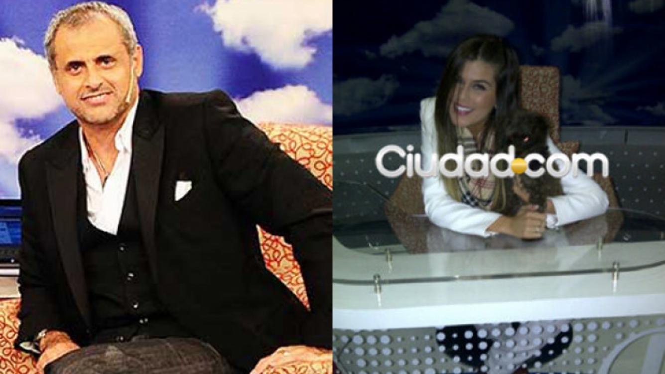Izq: Jorge Rial en su sillón de Intrusos. Der: Niña Loly en el mismo sillón. Esta foto la puso en su BlackBerry.