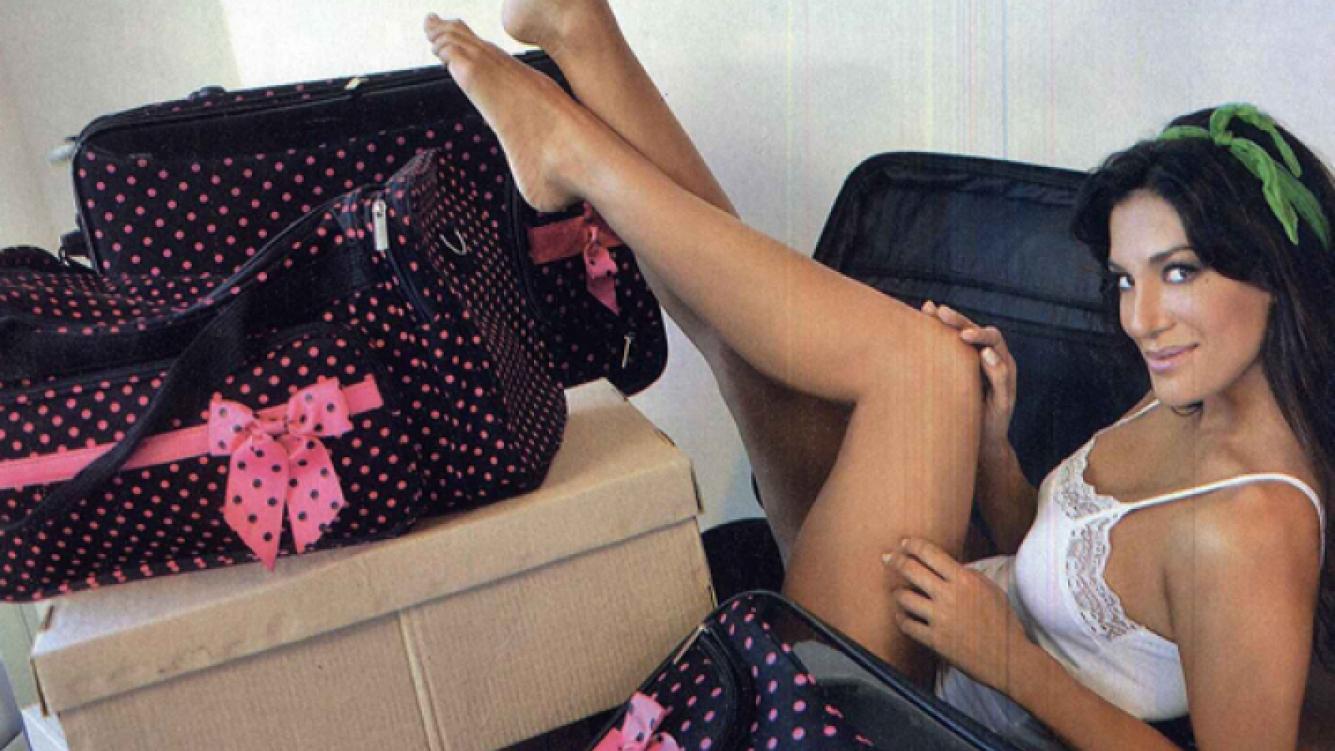 Silvina Escudero, soltera, en su nuevo departamento. (Foto: Revista Gente)