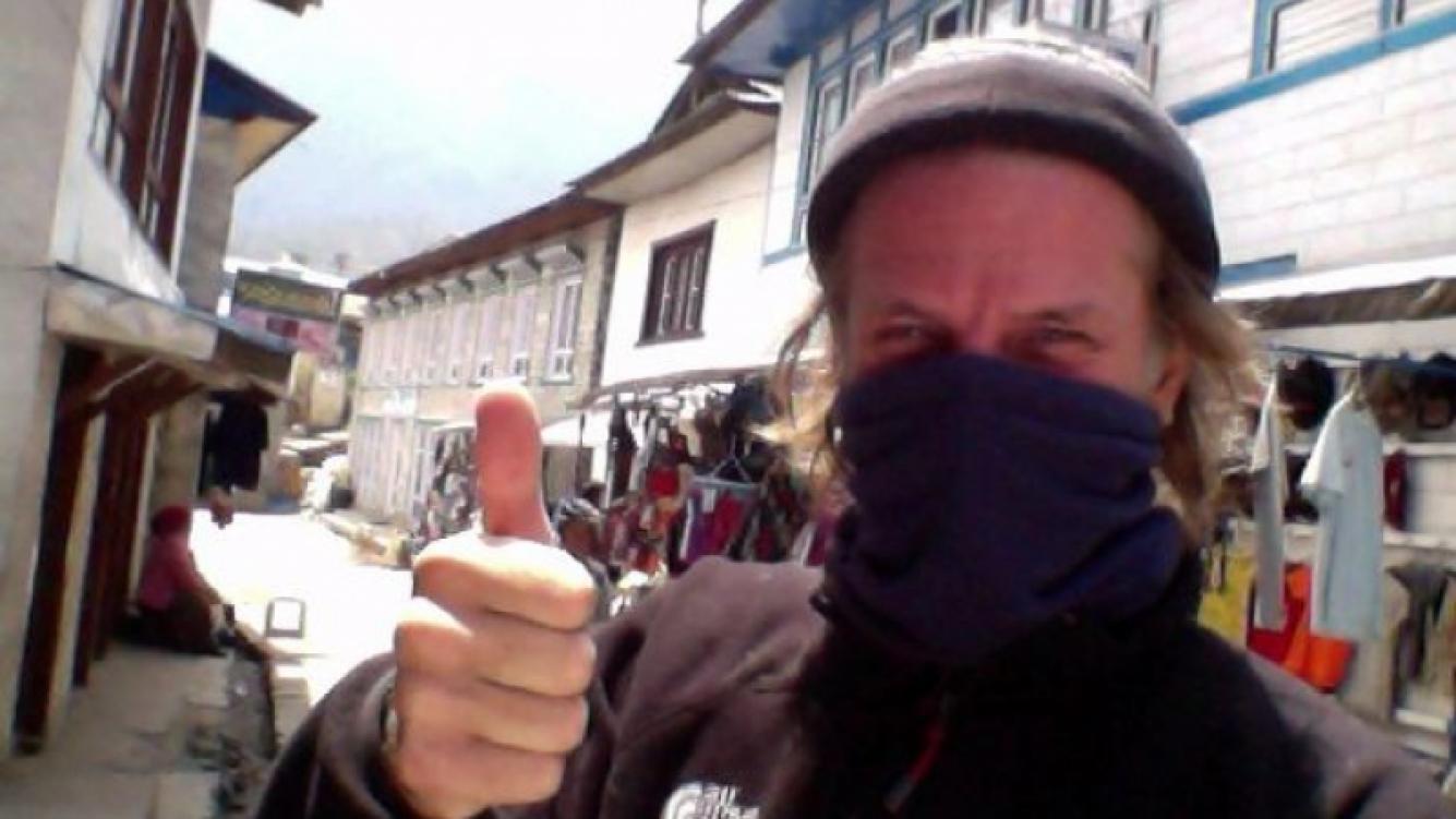Facundo Arana se enfermó, pero sigue camino al Everest. (Foto: Twitter Facundo Arana)