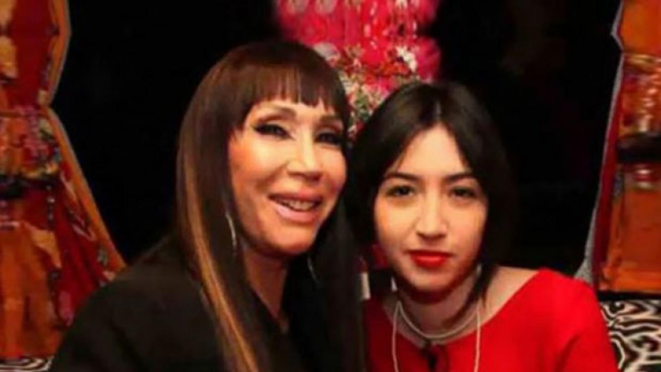 Moria vuelve al teatro con su hija: