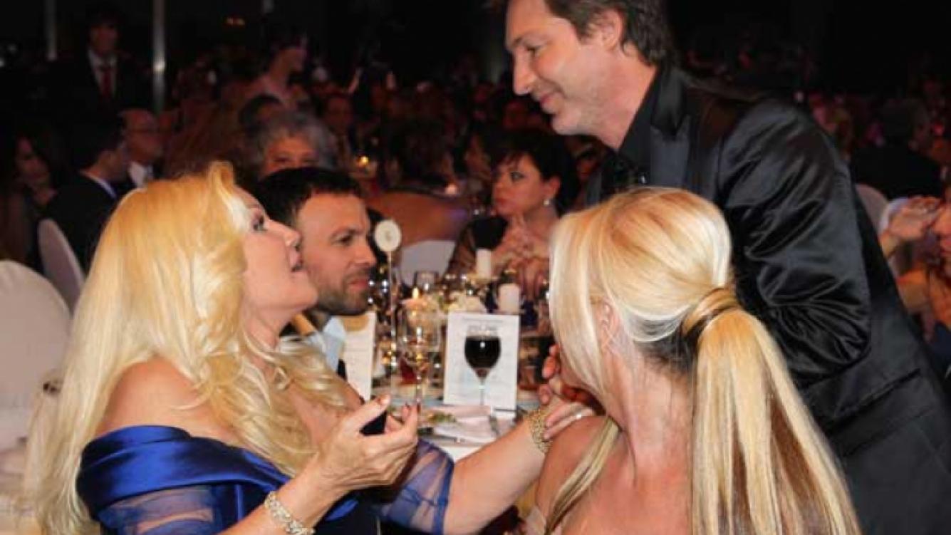 Adrián Suar saludó a Susana Giménez. La diva luego anunció que no volverá a Telefe este año... (Foto: El Trece)