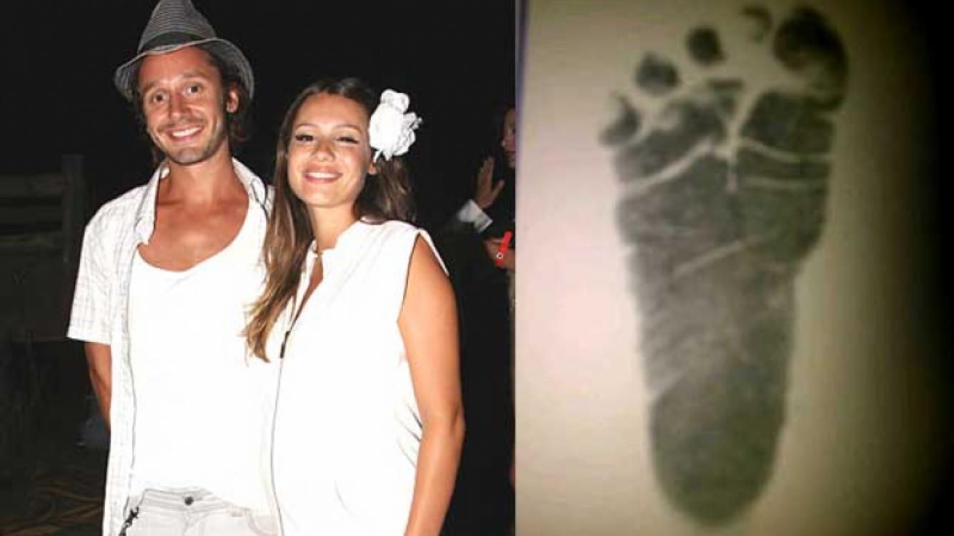 Benjamín Vicuña y Carolina Pampita Ardohaín celebraron el nacimiento de su tercer hijo. (Fotos: Web)