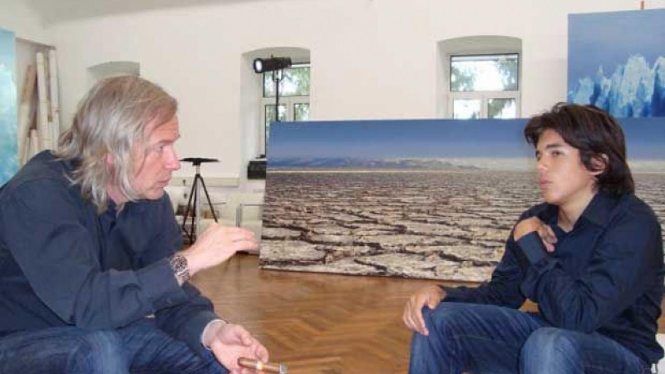 Axel, en diálogo con el mismísimo Helmunt Ditsch, en Viena. (Foto: Facebook)