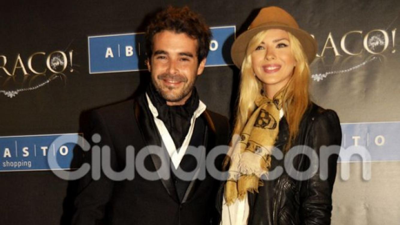 Nicolás Cabré y la China Suárez, enamorados en el estreno de Atraco. (Ciudad.com)