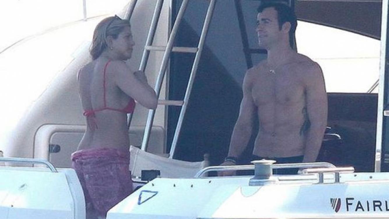 Jennifer Aniston, diosa a los 43, junto a su novio en Capri  (Foto: Web).