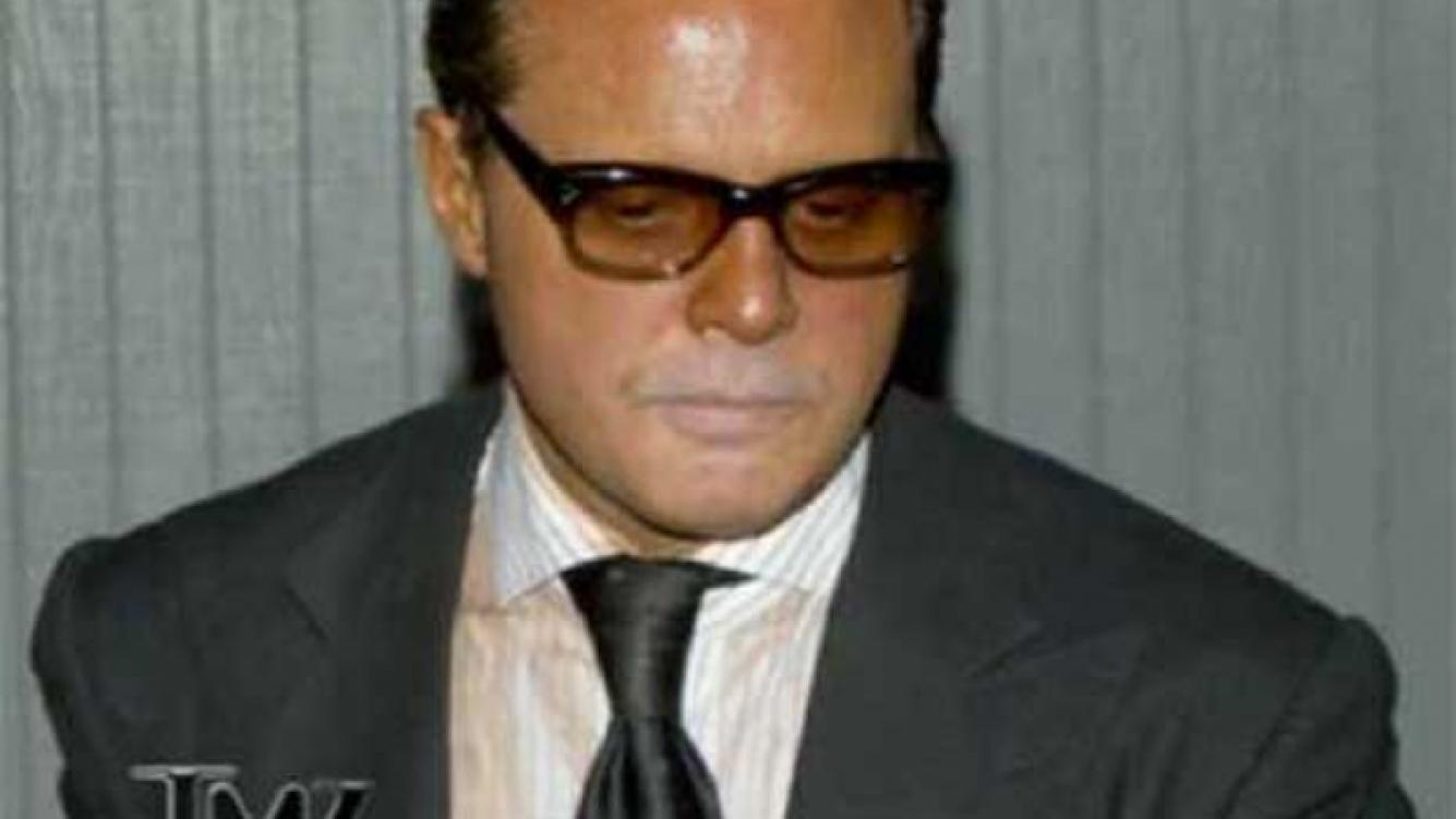 Luis Miguel, desteñido. (Foto: TMZ.com)
