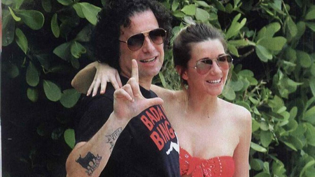 Las románticas vacaciones de Micaela Breque y Andrés Calamaro en Miami. (Foto: Caras)
