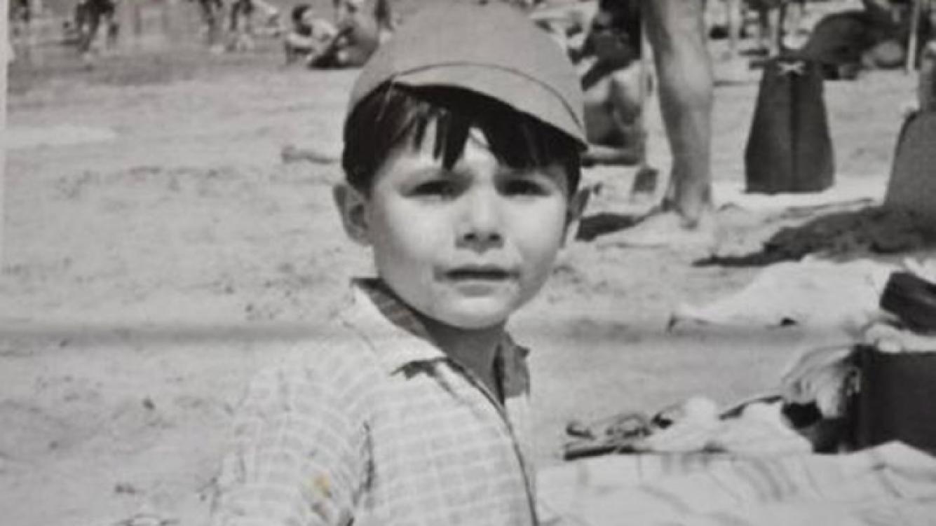 El avatar de Marcelo Tinelli en Twitter: una foto de cuando era un niño. (Foto: @cuervotinelli)
