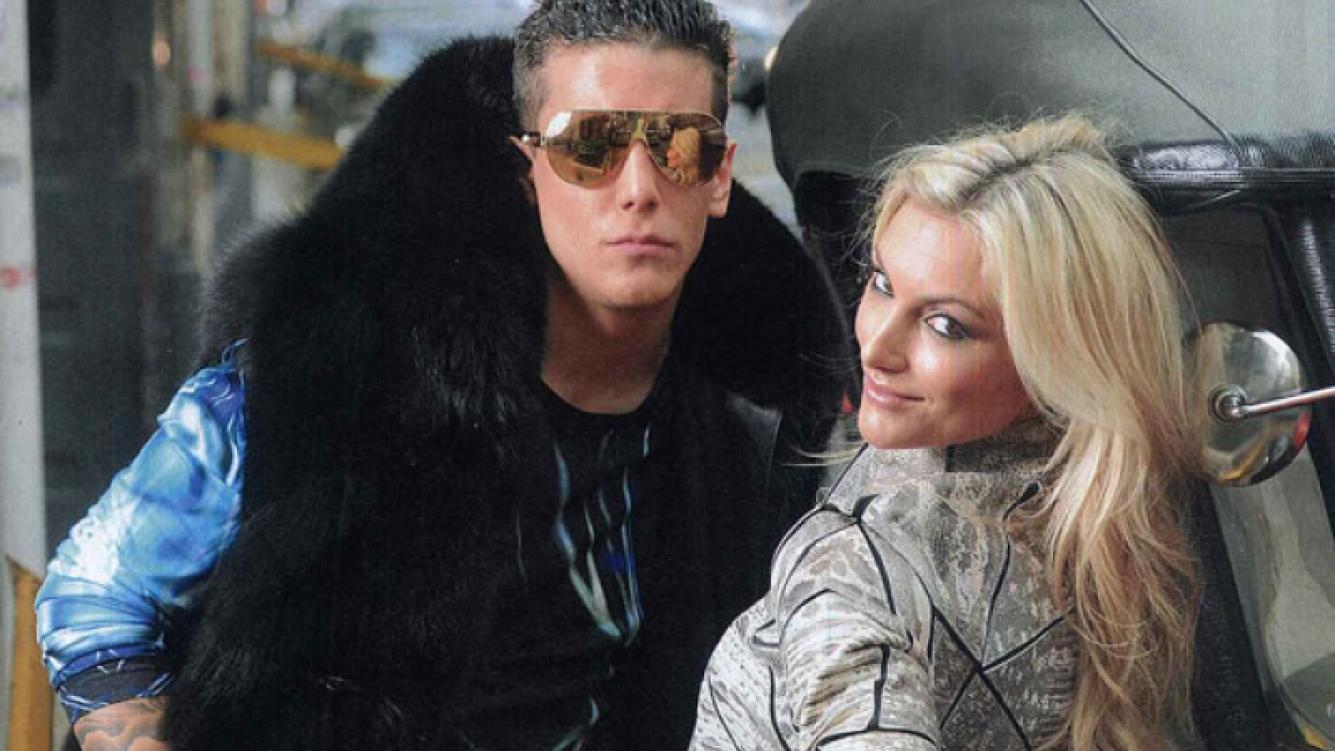 Alex Caniggia posó sensual junto a su bailarina (Foto: Revista Caras).