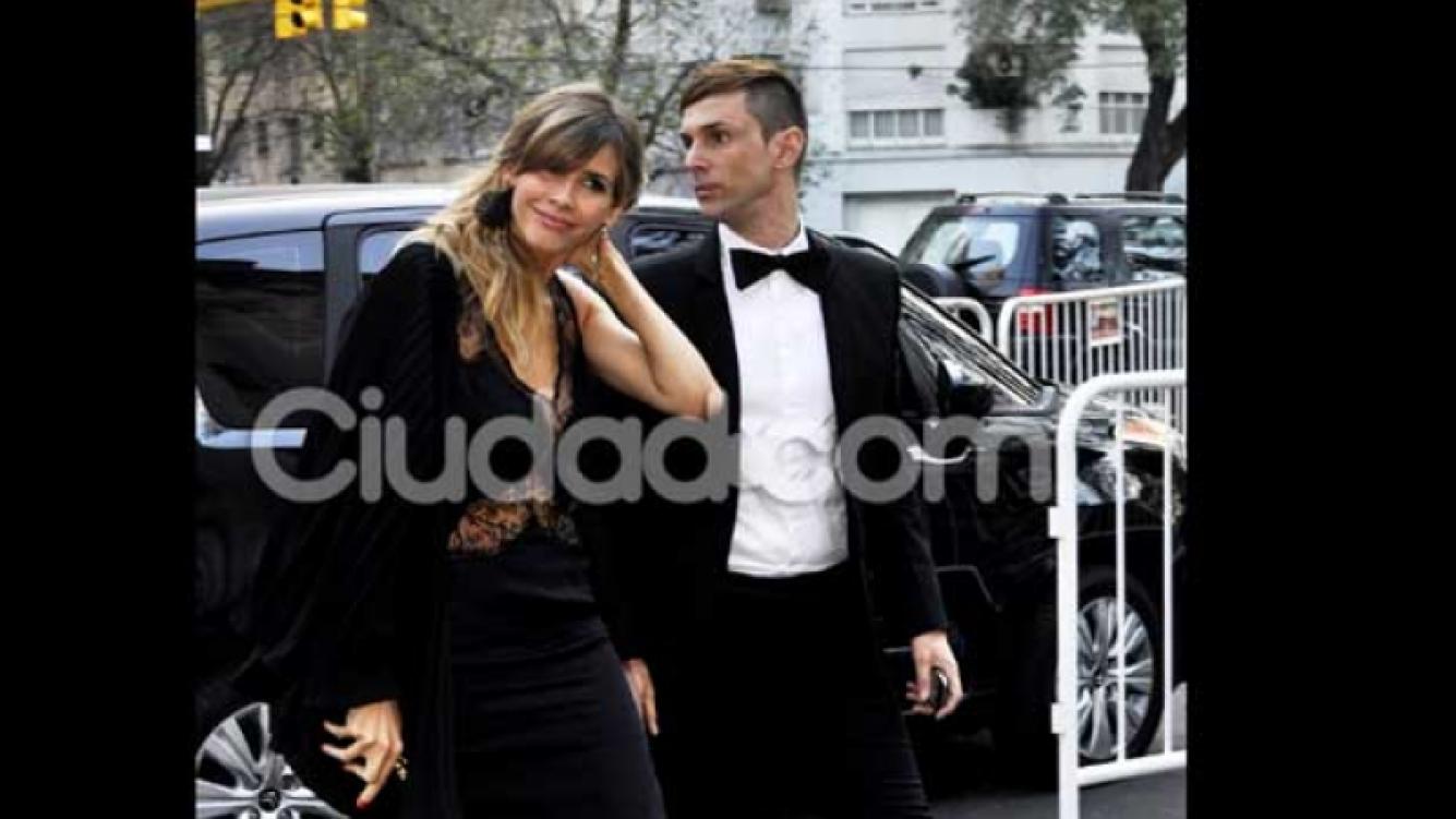 Guillermina Valdés y Fabián Paz en el casamiento de Julieta Spina. (Foto: Jennifer Rubio)