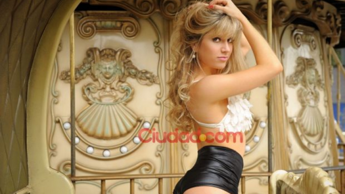 Las sensuales fotos de Laura Fernández. (Foto: Maxi Didari - Ciudad.com)