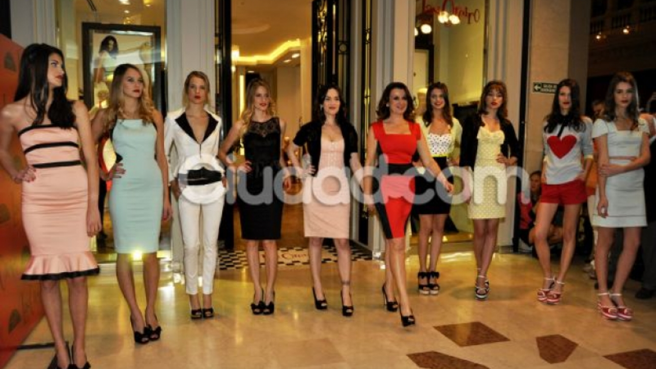 Natalia Oreiro inauguró un nuevo local de ropas en Galerías Pacífico. (Foto: Jennifer Rubio - Ciudad.com)