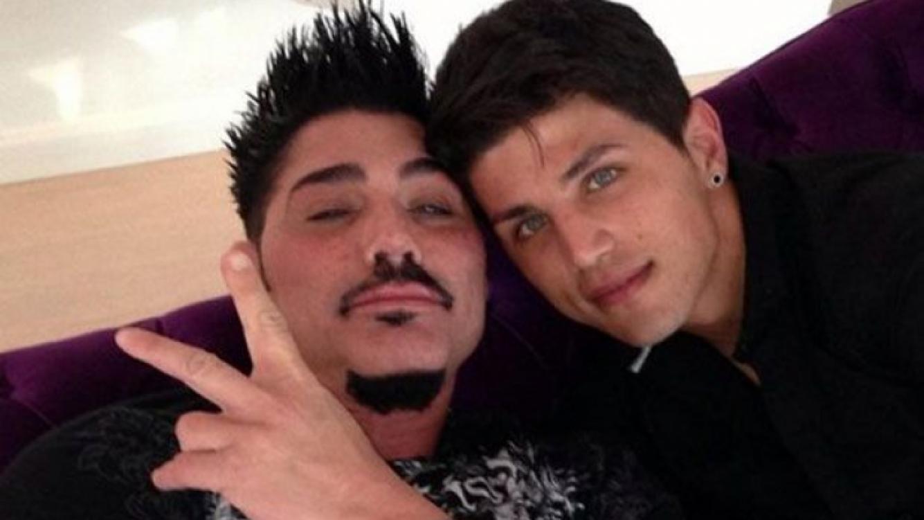 Ricardo Fort y su novio, Rodrigo Díaz. (Foto: @ricarfort)
