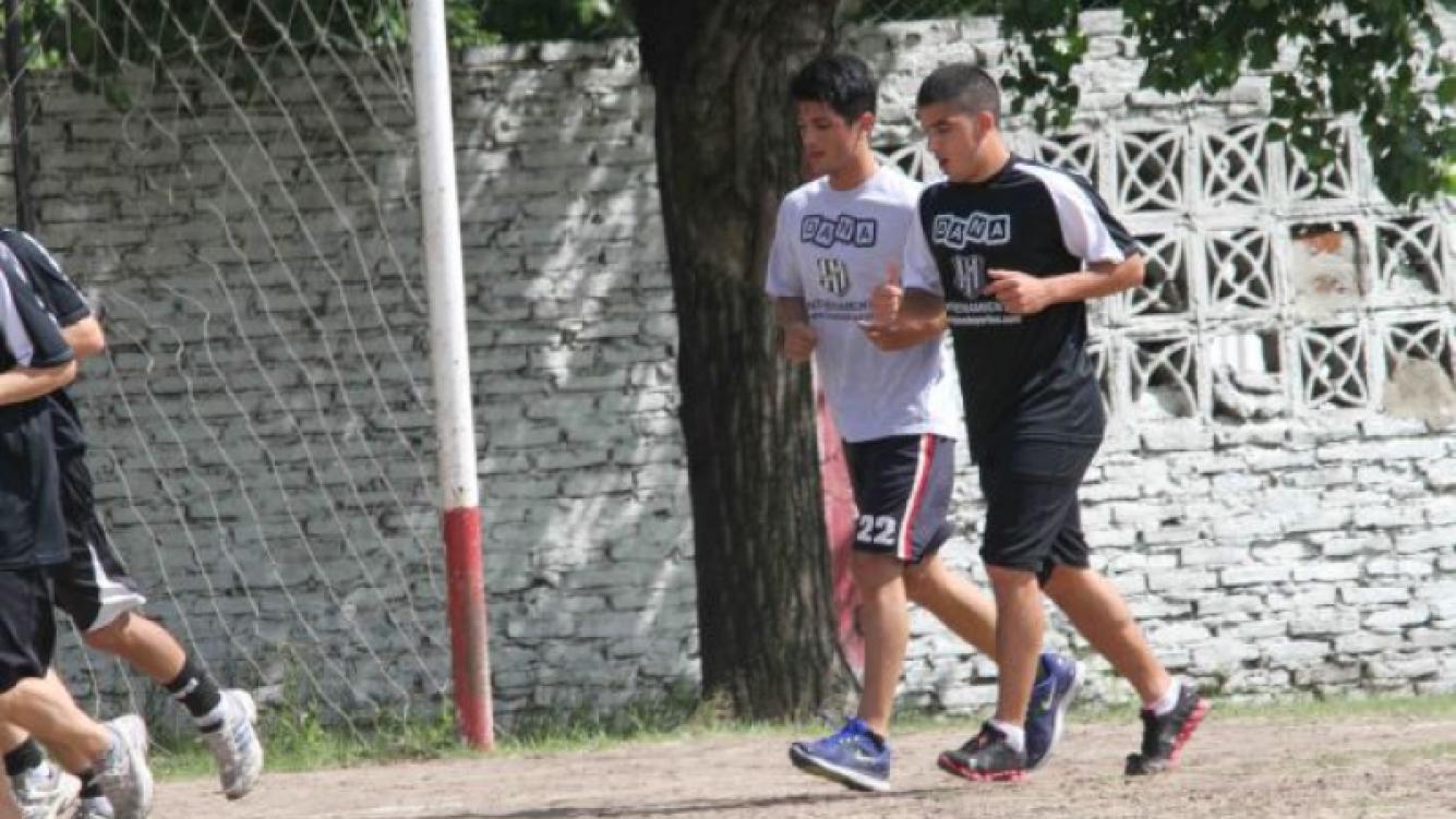 Rodrigo Díaz entrena en El Porvenir. (Foto: Prensa Ricardo Fort)