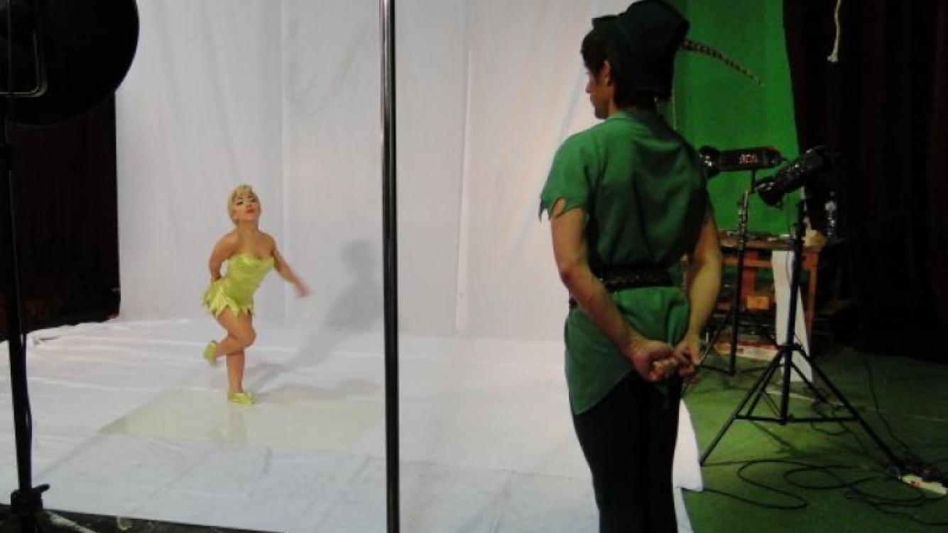 Hernán Piquín y Noelia Pompa, en la producción de fotos. (Foto: Ideas del Sur)