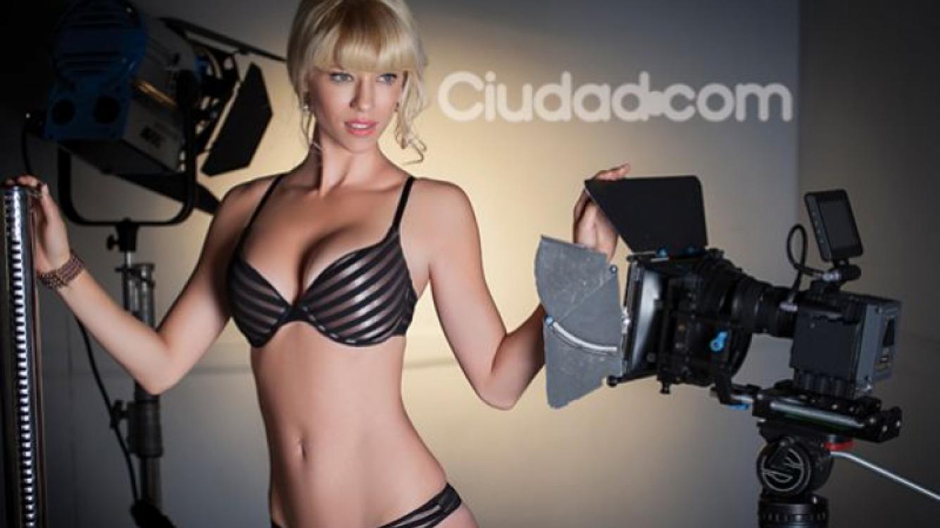 La sensual producción de Nicole Neumann (Foto: Christian Beliera).