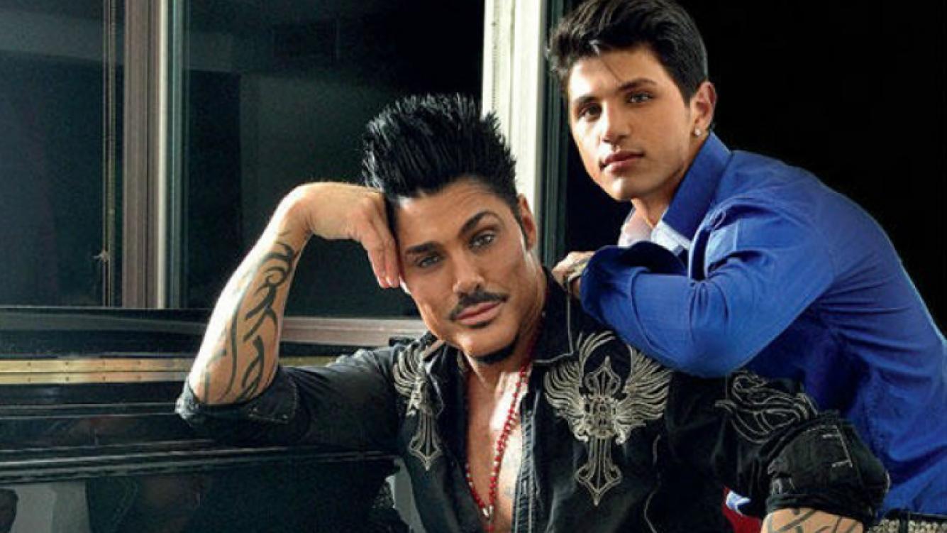 Ricardo Fort y Rodrigo: nuevamente enamorados y con regalo incluido. (Foto: Web)