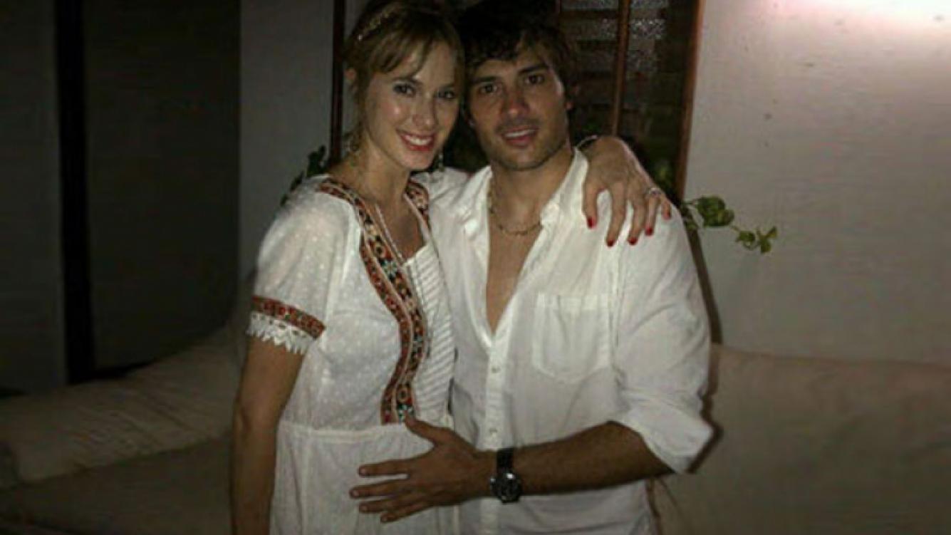 Chechu Bonelli y Darío Cvitanich, una dulce espera muy enamorados (Foto: Twitter).