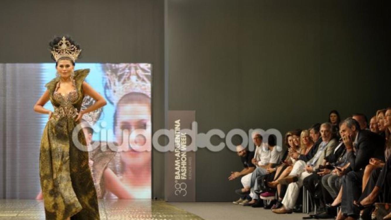 Jorge Rial y Loly Antoniale, mimosos en la apertura del BAAM (Foto: Jennifer Rubio).