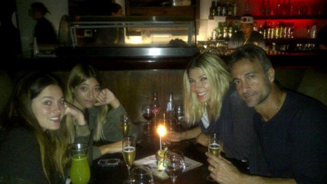 El festejo familiar de Catherine Fulop y Ova Sabatini por sus 19 años de amor (Foto: Twitter).
