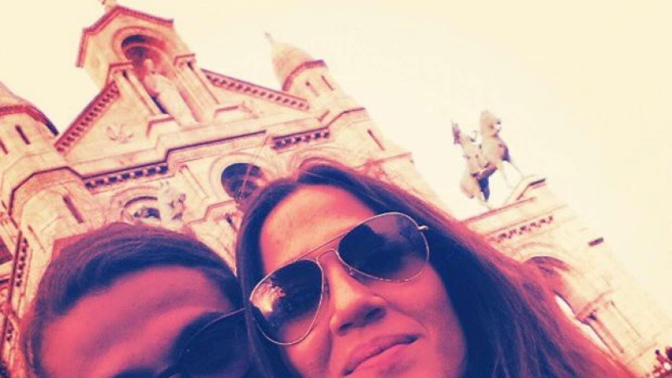 Jimena Barón y Daniel Osvaldo, en Roma, con la iglesia de fondo. (Foto: Instagram baronjimena)