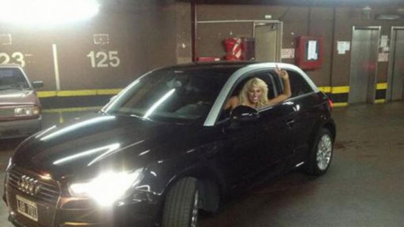 """El nuevo """"chiche"""" le duró poco: Victoria Xipolitakis chocó su auto nuevo"""