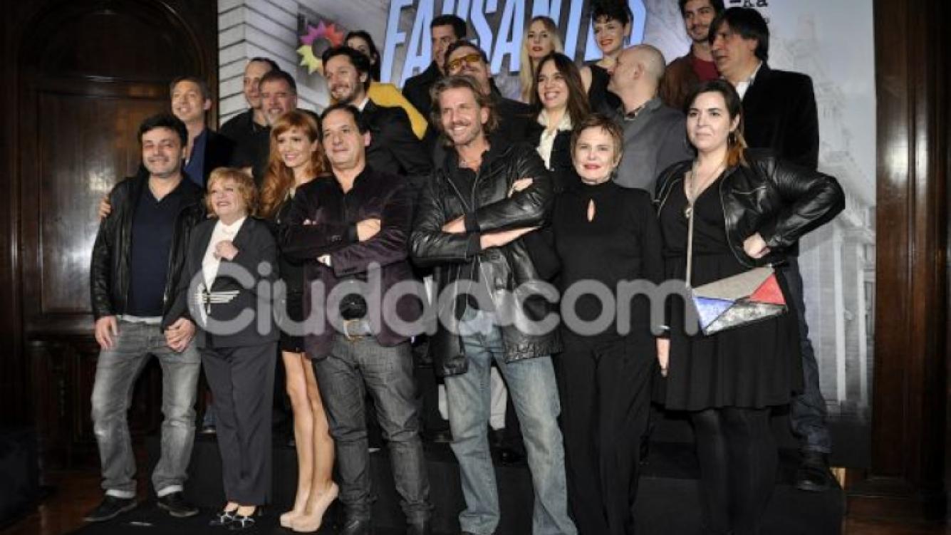 El elenco de lujo de Farsantes, que debuta el miércoles 26 (Foto: Jennifer Rubio).