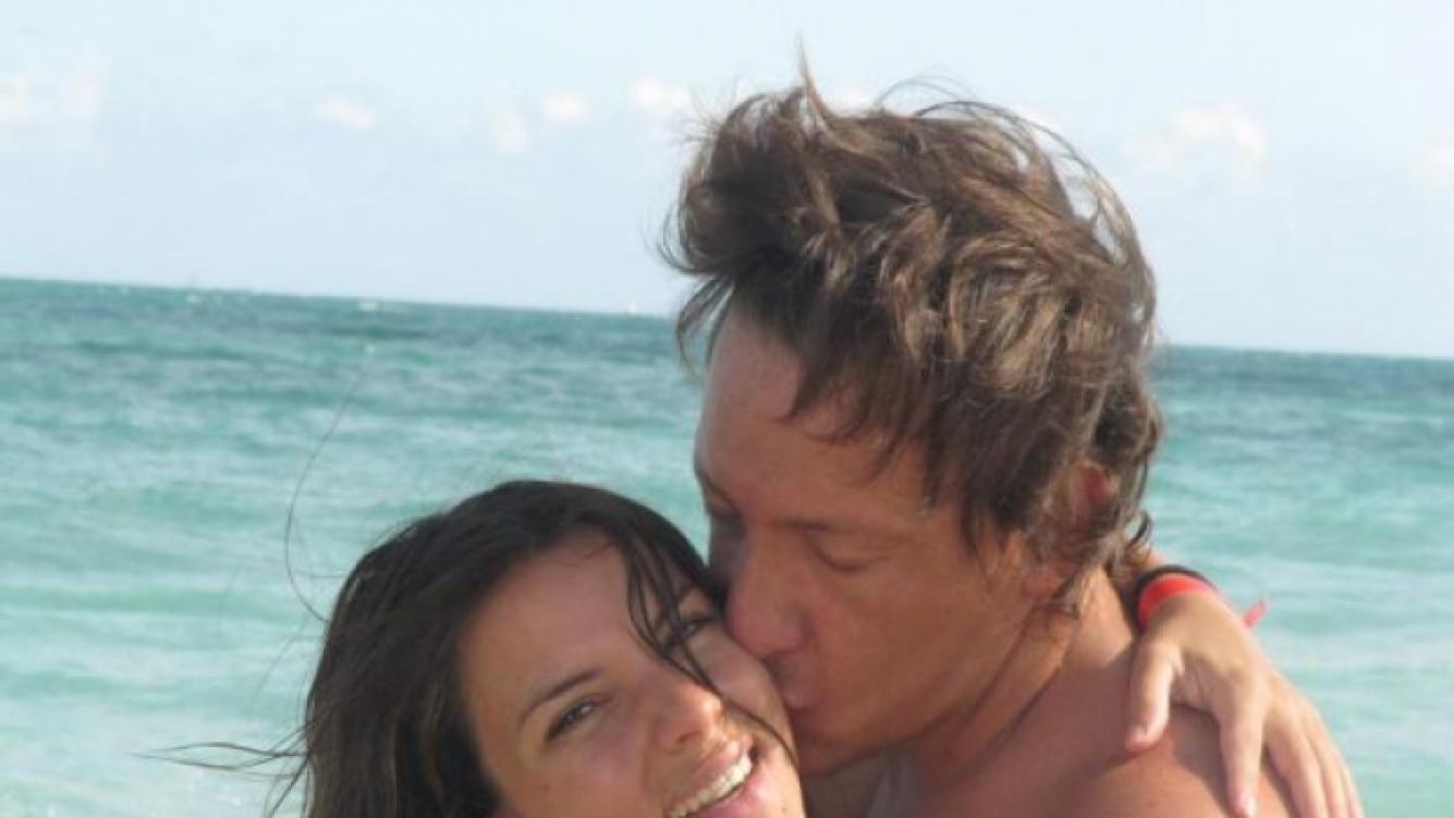 Nicolás Vázquez le brindó su apoyo su novia con esta hermosa foto. (Foto: Twitter)