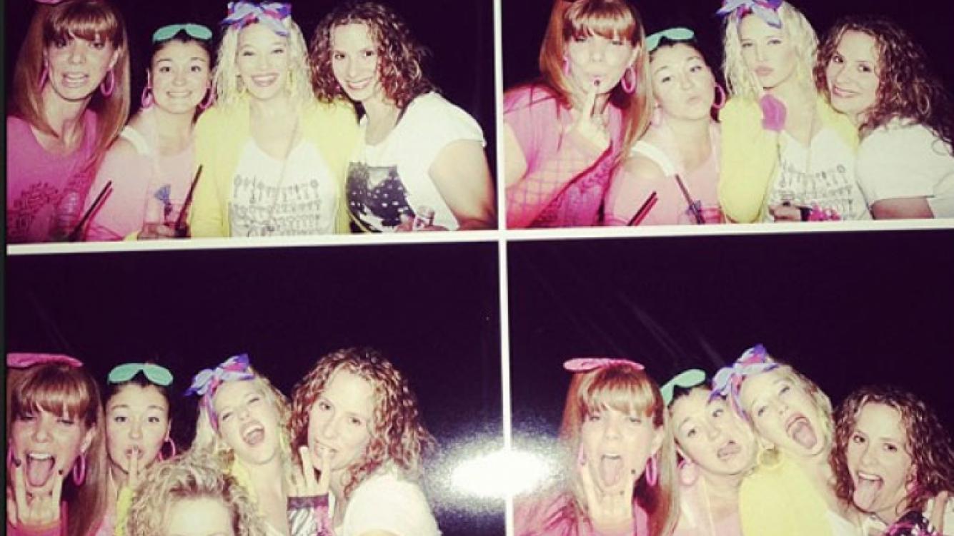 Luisana Lopilato posó divertida con sus amigas en la fiesta (Foto: Instagram).