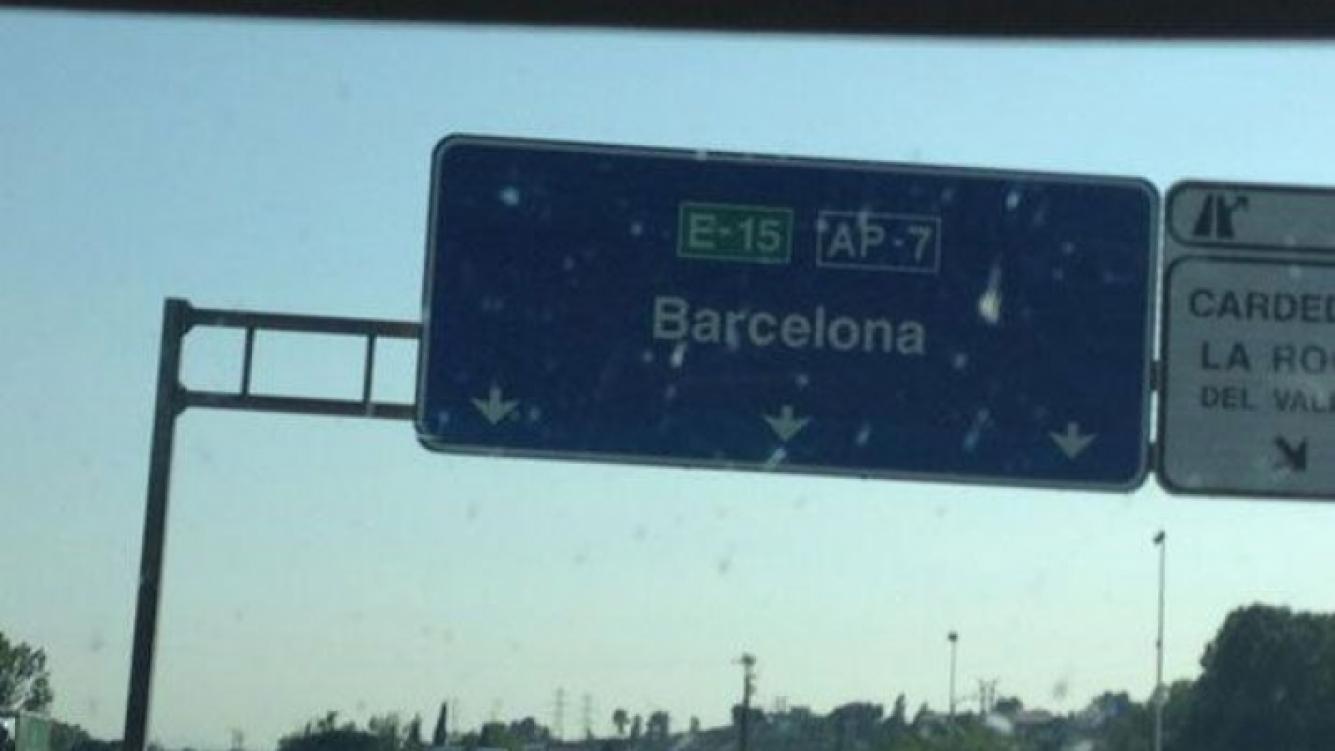 Wanda Nara y sus hijos, de vacaciones en Barcelona (Foto: Twitter).