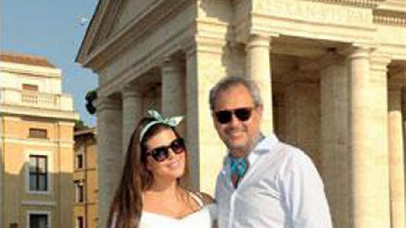 Jorge Rial y Mariana Loly Antoniale, viaje romántico y compromiso en Roma. (Foto: revista Gente)
