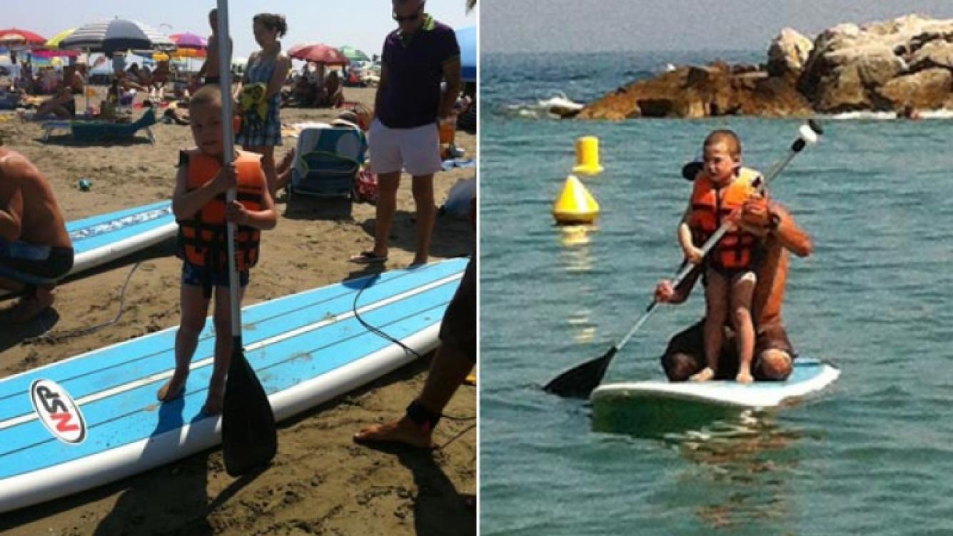 El hijo de Evangelina Anderson, en las playas de Marbella (Foto: álbum de Evangelina Anderson).