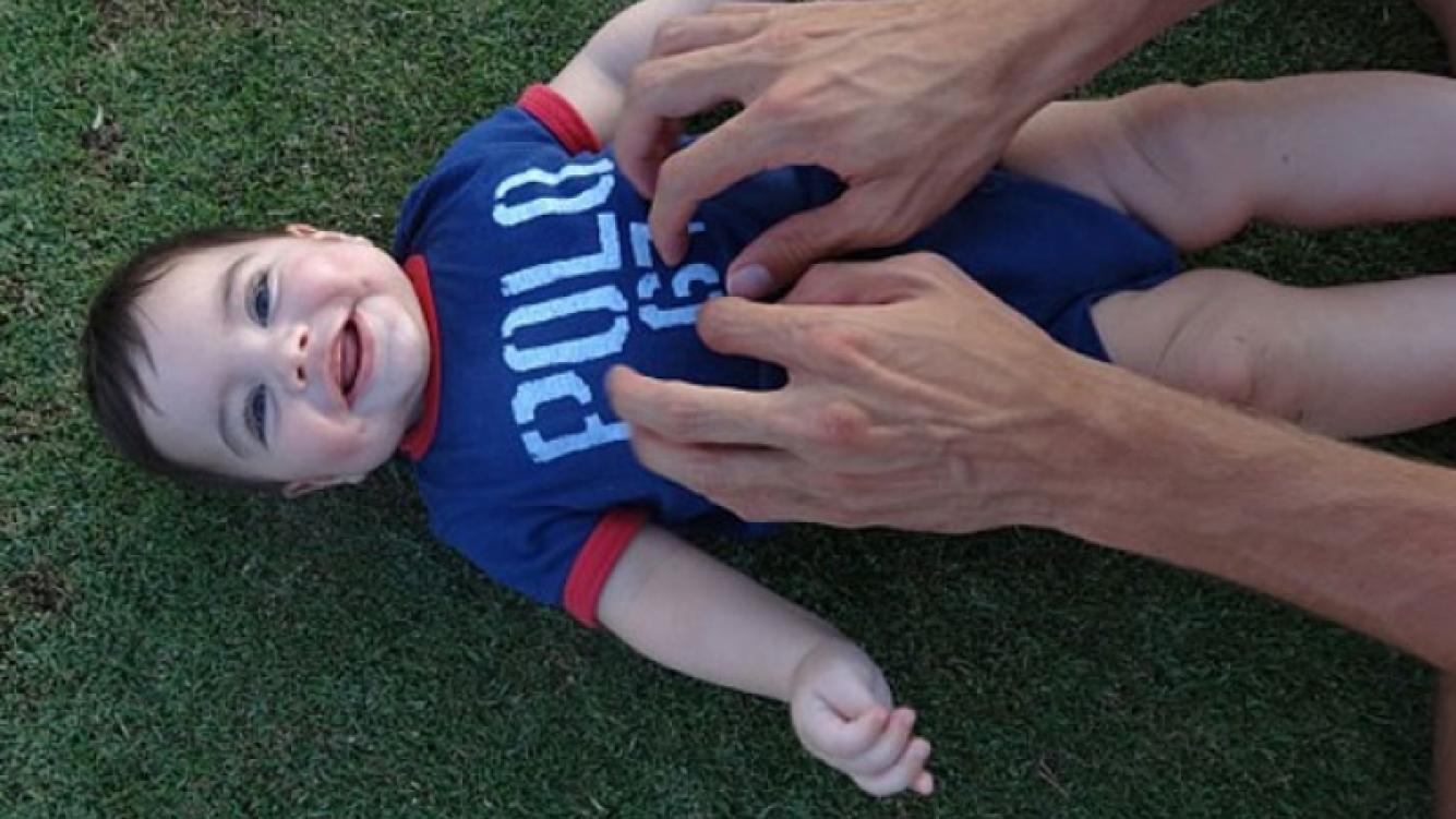 El pequeño Milan también se divirtió en Hawaii (Foto: Instagram).