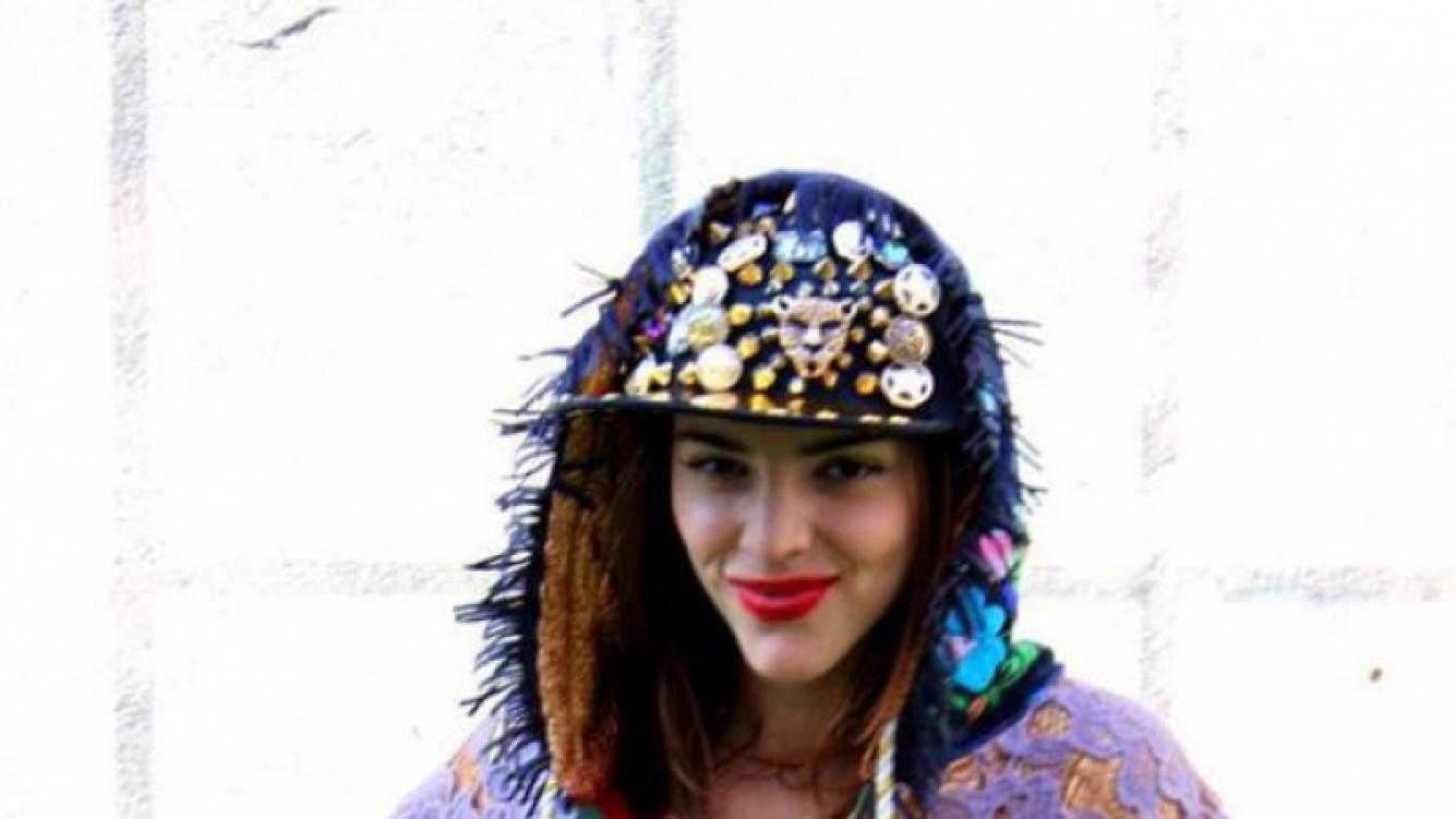 El extravagante look de Calu Rivero en el Buenos Aires Fashion Week (Foto: Facebook).
