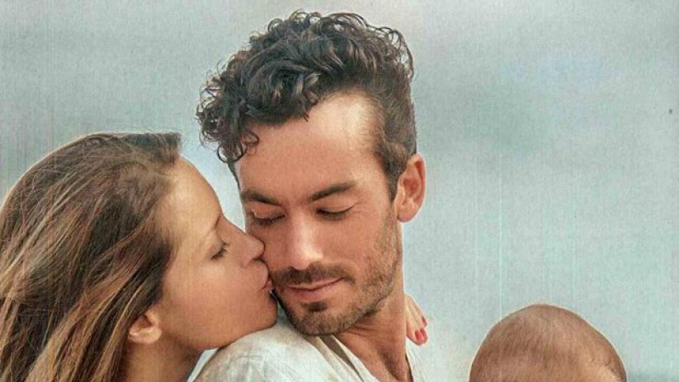 Lola Ponce y Aaron Díaz, pareja hot (Foto: revista Caras).