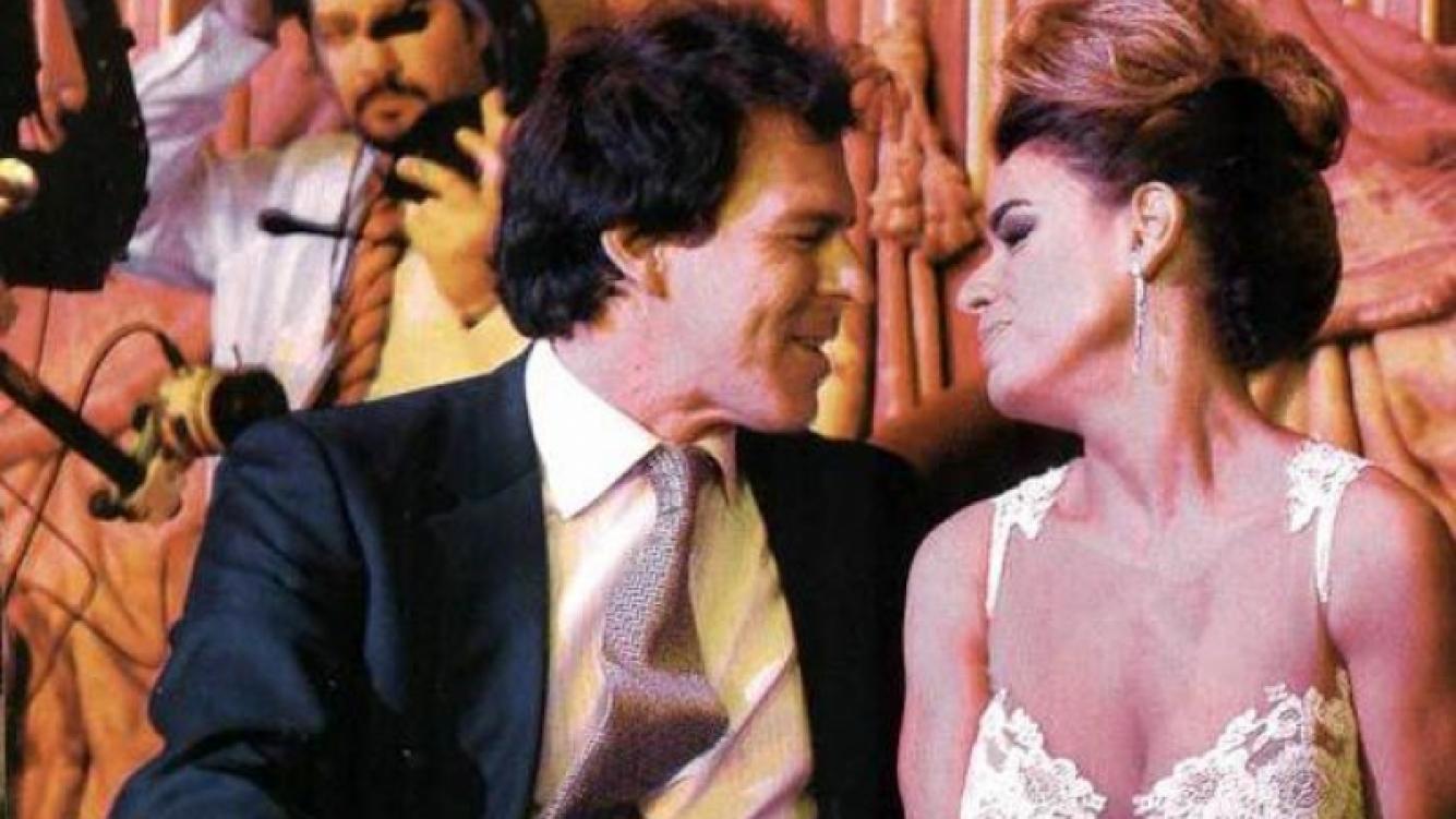 Marina Calabró y su novio, Martín Albrecht, en los Martín Fierro. (Foto: revista Pronto)
