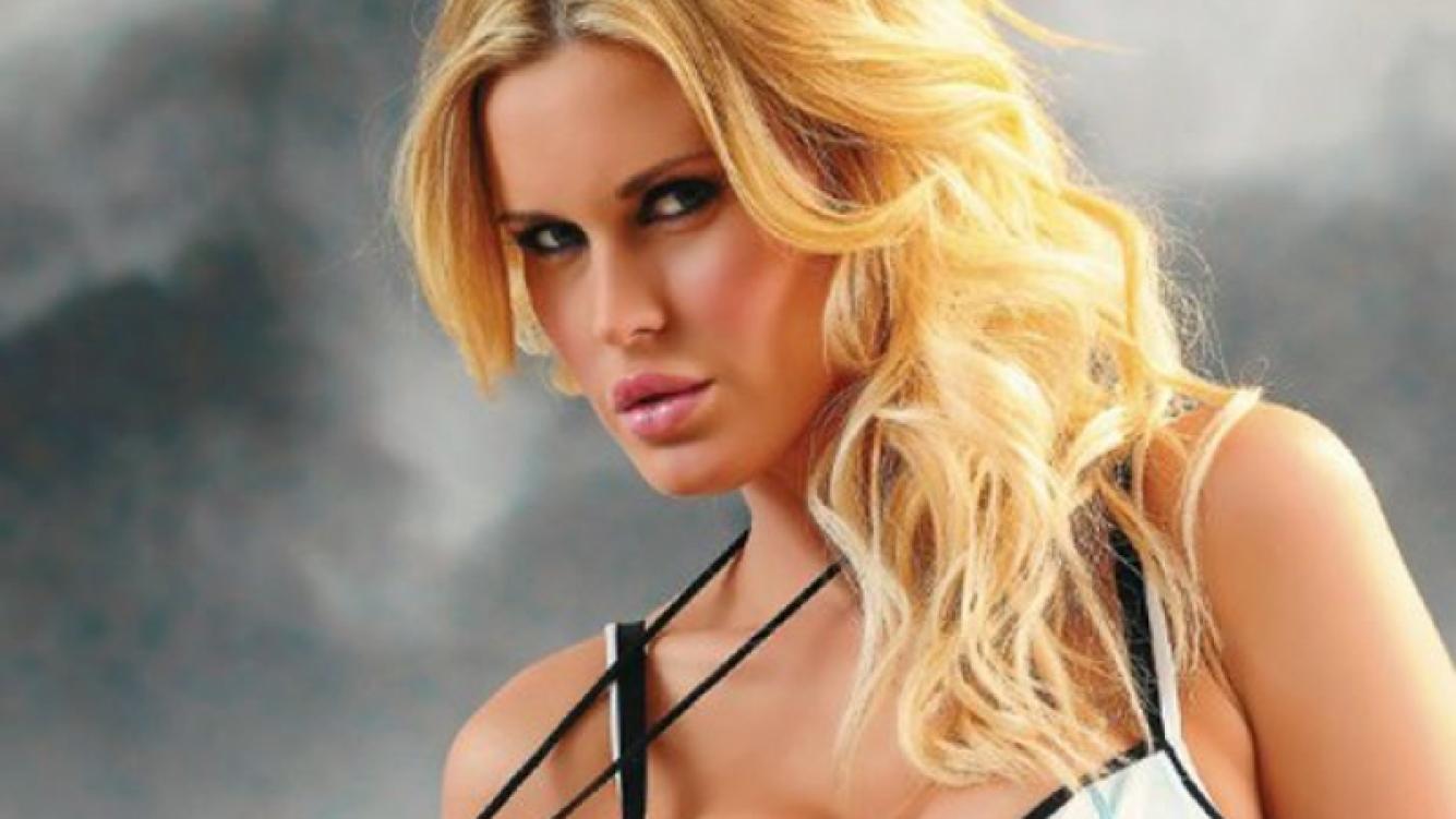 Natalie Weber. (Foto: Revista Hombre)
