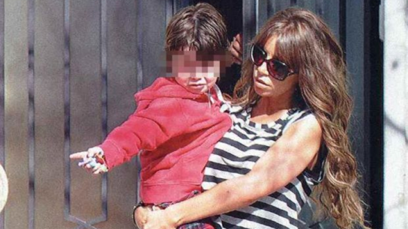 Florencia Peña y su hijo, Juan, en el Día del Niño (Foto: revista Gente).