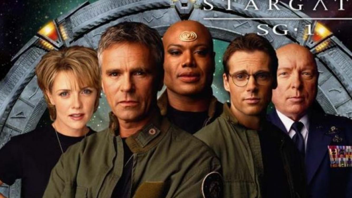 Richard Dean Anderson, de MacGyver, produjo la serie Stargate SG-1 y la protagonizó (Fotos: Web)