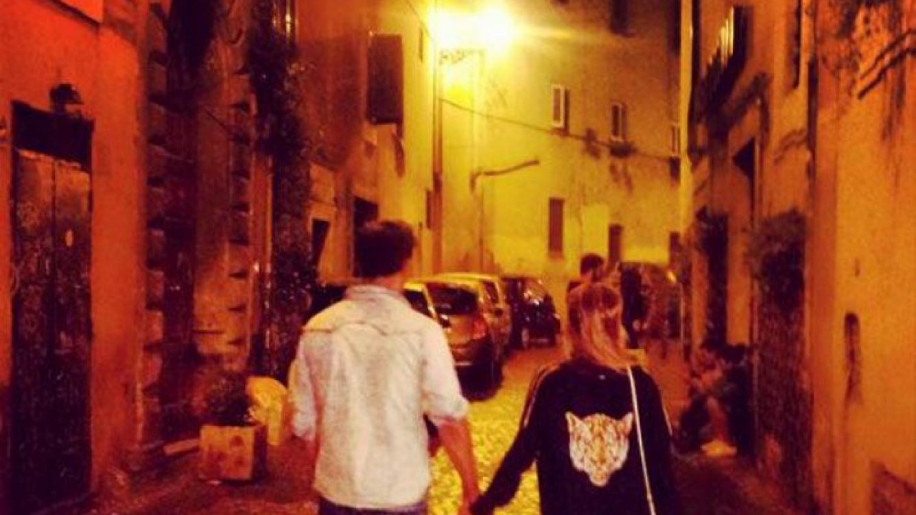 Nicolás Vázquez y Gime Accardi, enamoradísimos en Roma (Foto: Twitter).