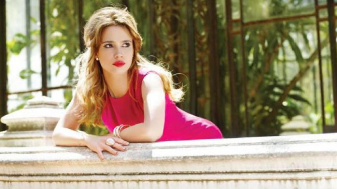 Celeste Cid, íntima en una charla donde habló de todo (Revista: ¡Hola! Argentina).