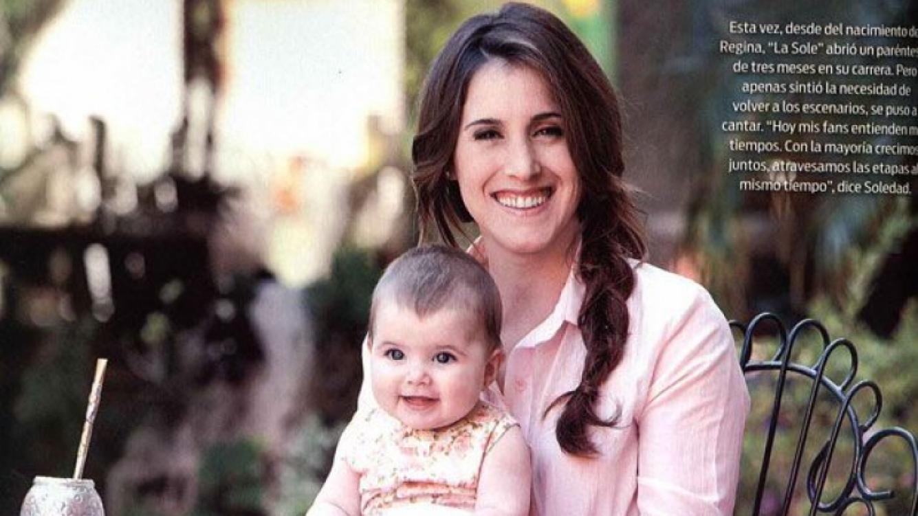 Soledad Pastorutti presentó a su hija, Regina (Foto: revista ¡Hola! Argentina).