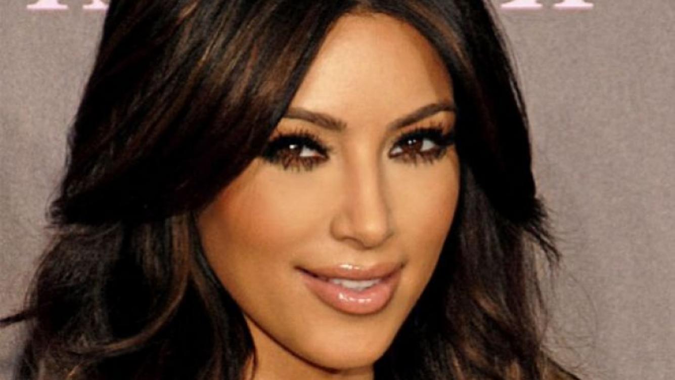 Kim Kardashian confesó que se miró su parte íntima tras parir. (Foto: Web)