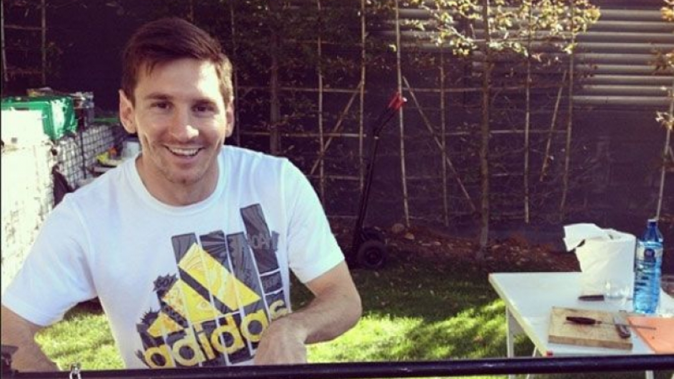 Lionel Messi y un festejo bien argentino tras ganarle el clásico al Real Madrid (Foto: Instagram).