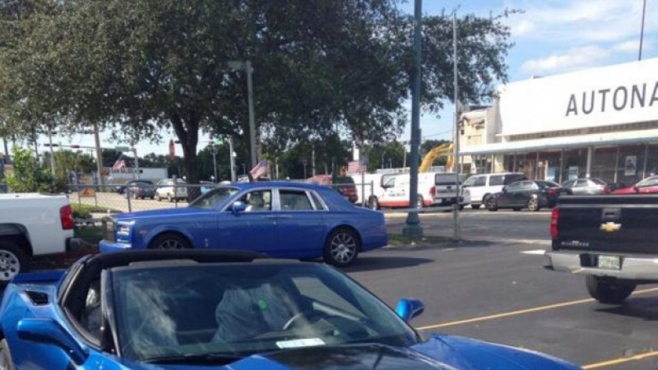 Ricardo Fort se compró un nuevo auto en Miami. (Foto: Twitter)