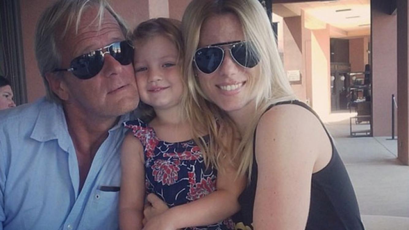Las fotos más tiernas de Nicole, sus hijas y su padre (Foto: Twitter).