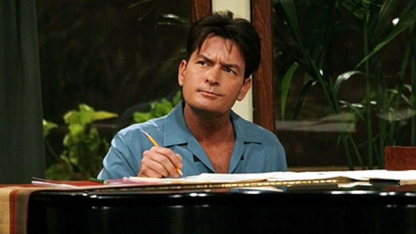 ¿Charlie Sheen quiere volver a Two and Half Men? (Foto: web)