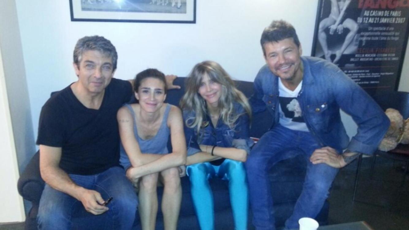 Marcelo Tinelli y Guillermina Valdés, con Darín y Bertuccelli. (Foto: Twitter @cuervotinelli)